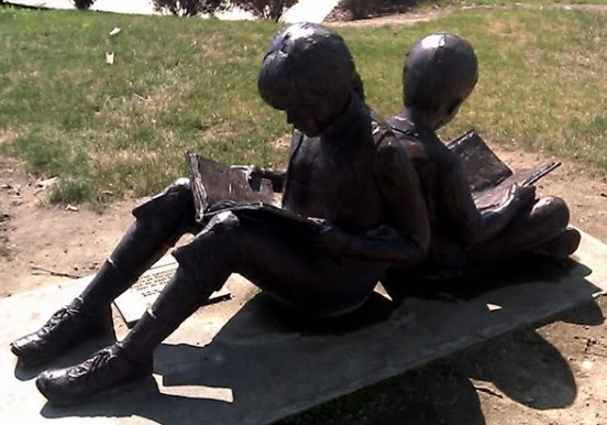 reading, by Penny L Howe, 2013